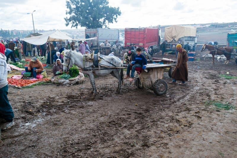 Wekelijks gehouden markt in Marokko royalty-vrije stock afbeelding