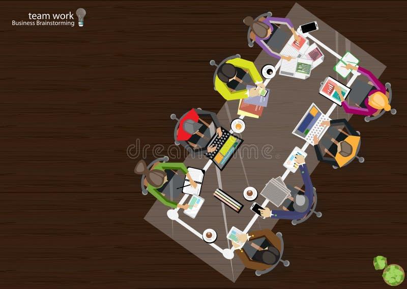 Wektorowa biznesmen praca zespołowa, brainstorming marketingowego plan z ołówkami, pióra, papierowych segregatory, notatniki, tel ilustracja wektor