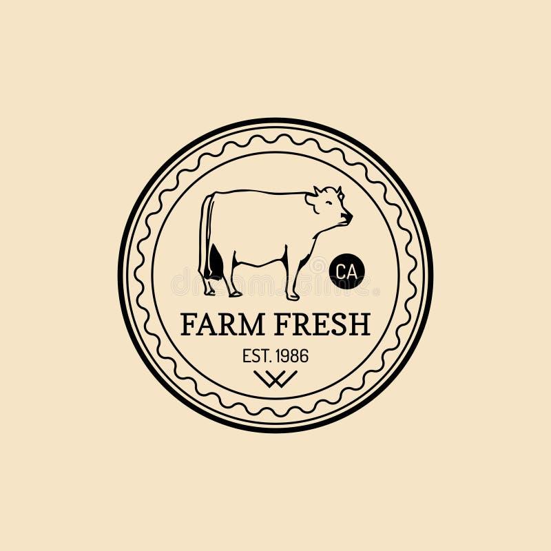 Wektorowy retro rolny świeży logotyp Organicznie premii ilości produktów odznaka Eco jedzenia znak Rocznik ręka kreślił krowy iko ilustracja wektor