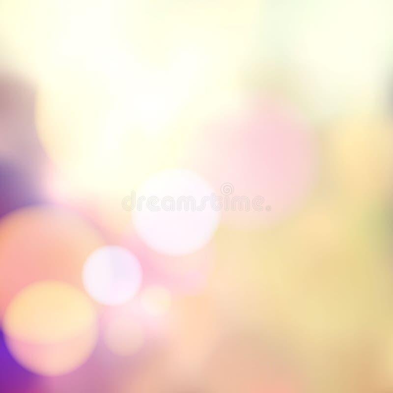 Wektorowy rozmyty miękki tło z fotograficznym bokeh skutkiem. Gładki unfocused ekranowy skutek. Bladzi romantyczni menchii i purpu ilustracji