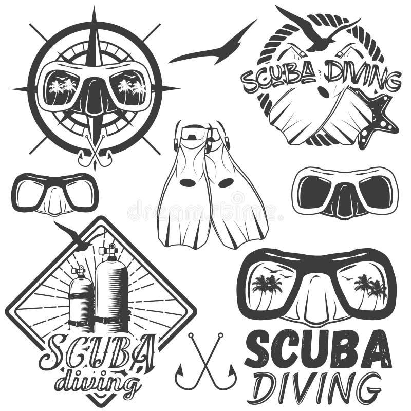 Wektorowy ustawiający akwalungu pikowania centrum etykietki w rocznika stylu Bawi się podwodnego wyposażenie, maska, żebra, zbior royalty ilustracja