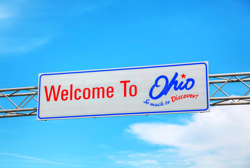 Welcome to Ohio sign. At the state border stock images