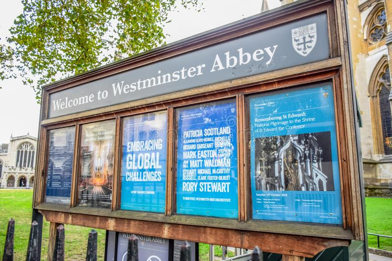 Welcome to Westminster Abbey signage board setting up near the entrance of Westminster Abbey in London, UK stock image