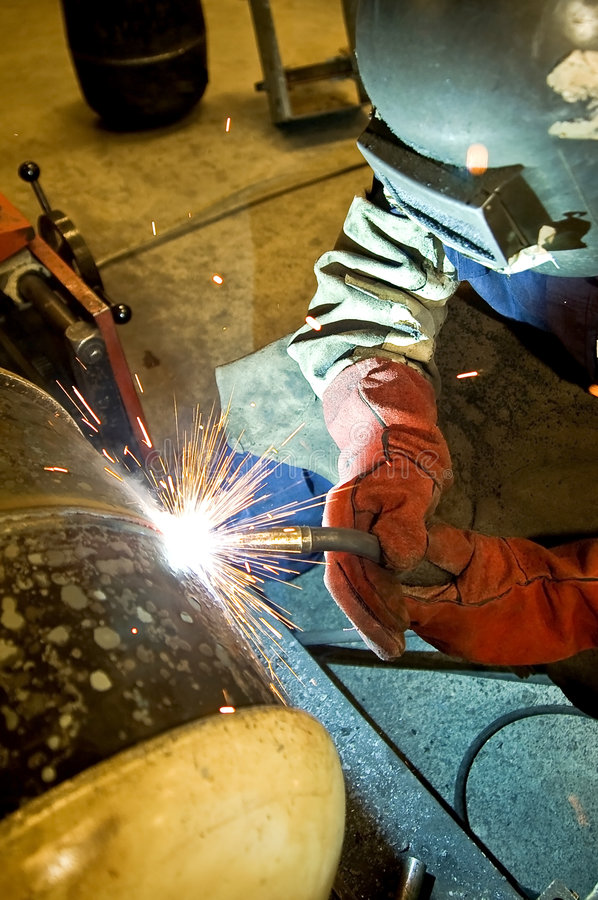 Free Welder At Work Royalty Free Stock Images - 6037269