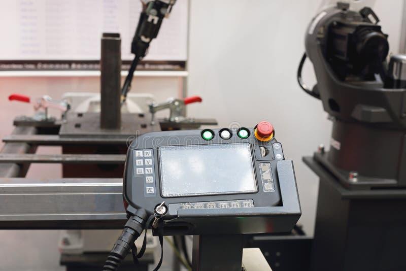 Welder Robot Controller fotografering för bildbyråer