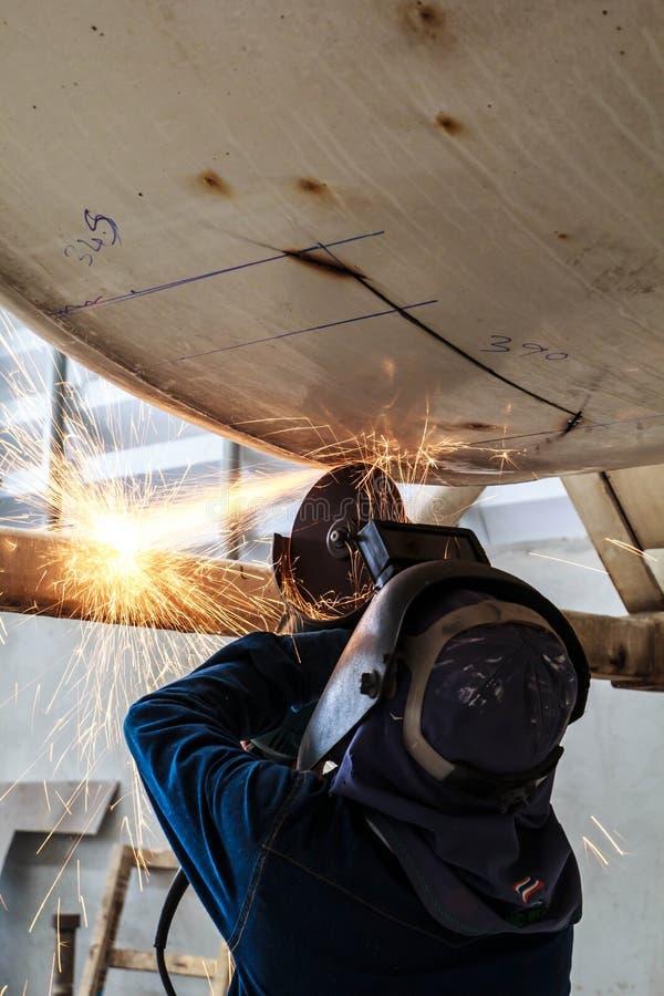 Download Welding&Grinding stock foto. Afbeelding bestaande uit industrieel - 39114456