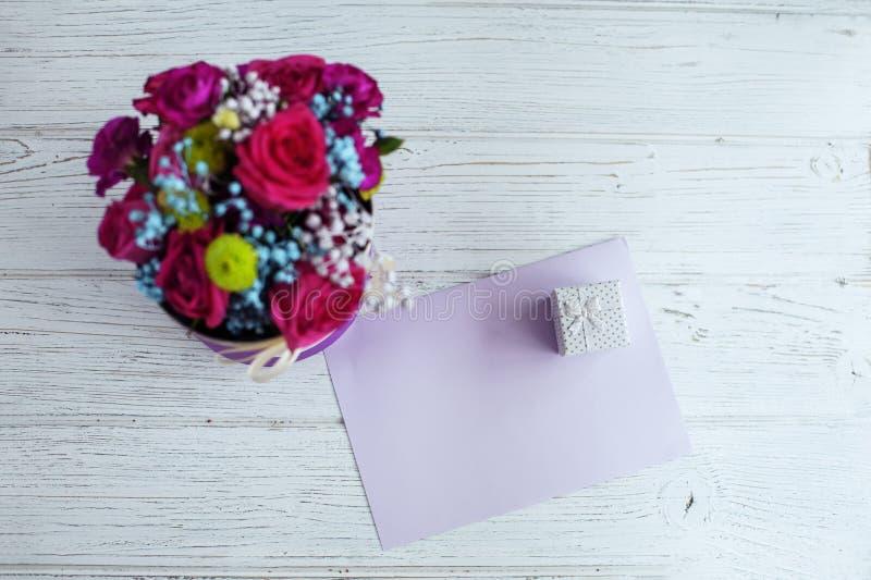 Download Welkom Kaart Conceptievakantie, De Dag Van Valentine ` S Stock Afbeelding - Afbeelding bestaande uit decoratief, moeders: 107704705