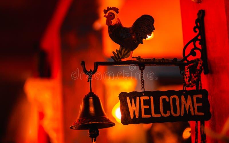 Welkom Uithangbord bij Straatwinkel stock foto
