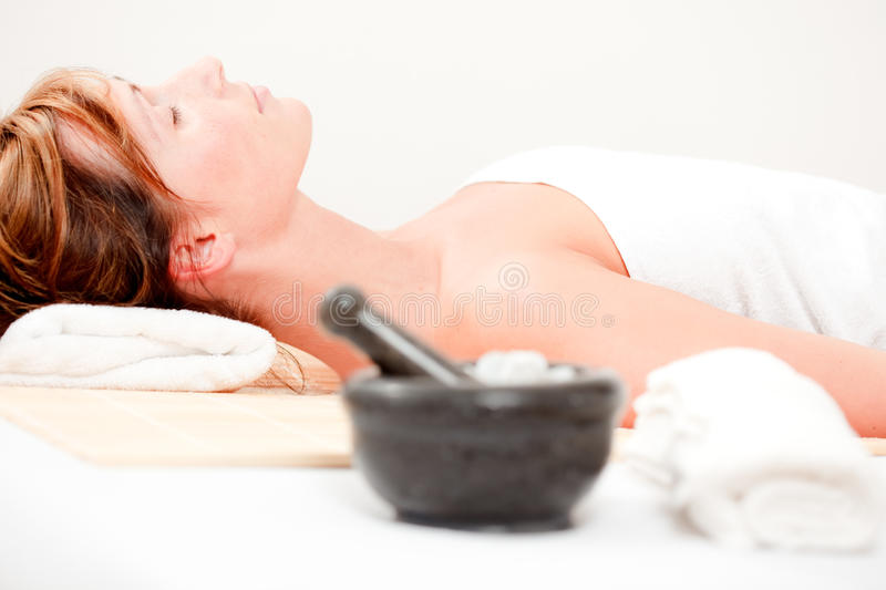 Wellbeing spa wellnessmassage stock afbeelding