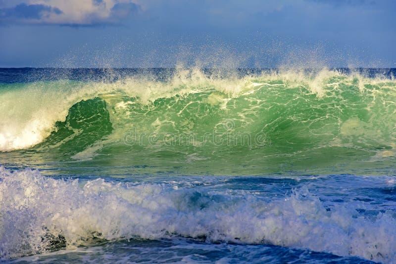 Welle, die am Teufelstrand zusammenstößt lizenzfreies stockbild