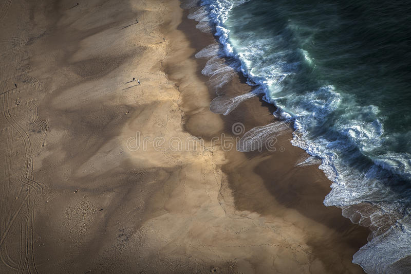 Welle nach Welle stockfotografie