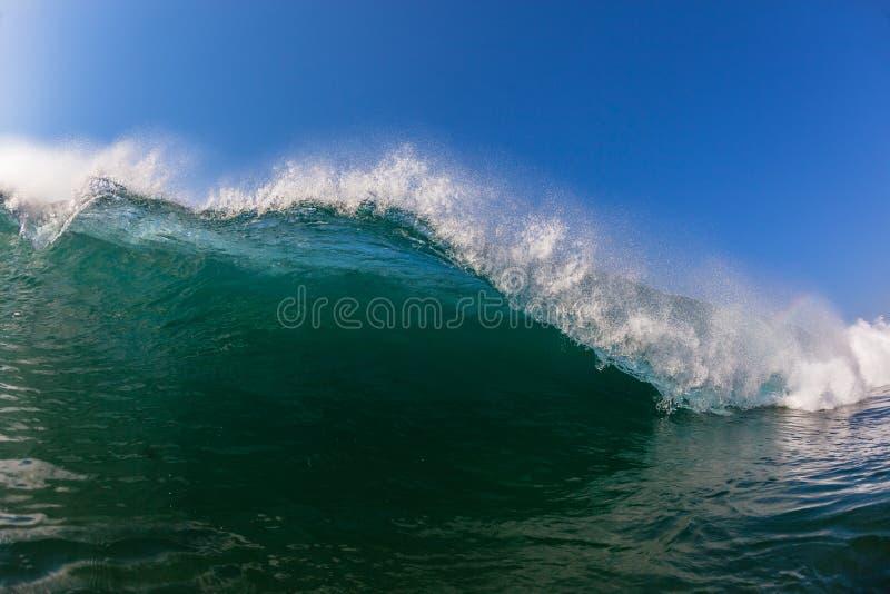 Wellen-Lippenfallendes Farbdetail-Wasser-Foto stockfotos
