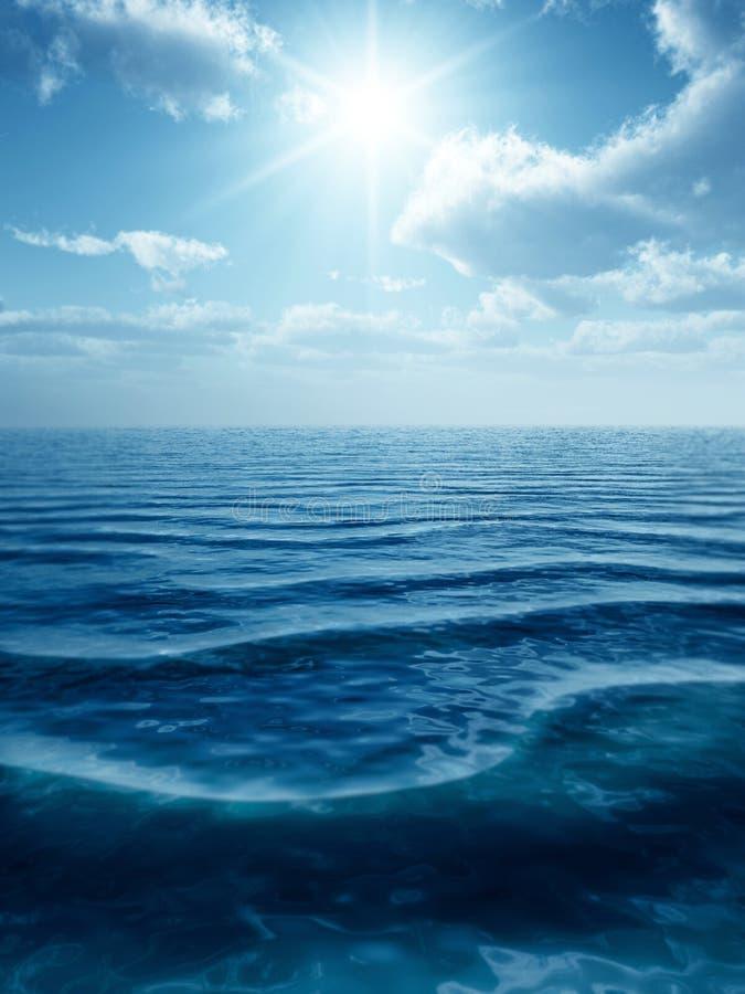 Wellen und Wolken stockbilder