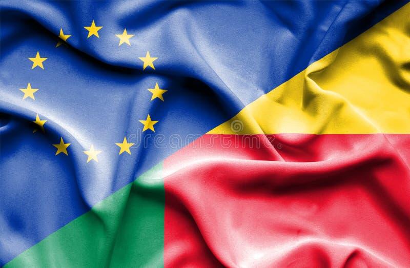 Wellenartig bewegende Flagge von Benin und von EU lizenzfreie stockbilder