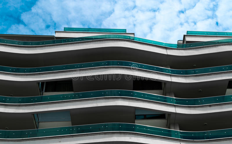 Wellenartig bewegender Balkon stockfoto