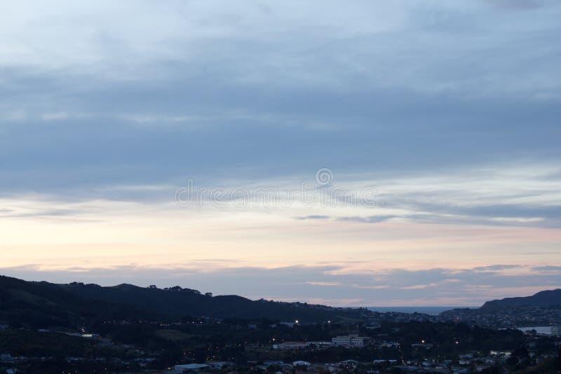 Wellington City Tawa Winter Night-Hemel stock foto's