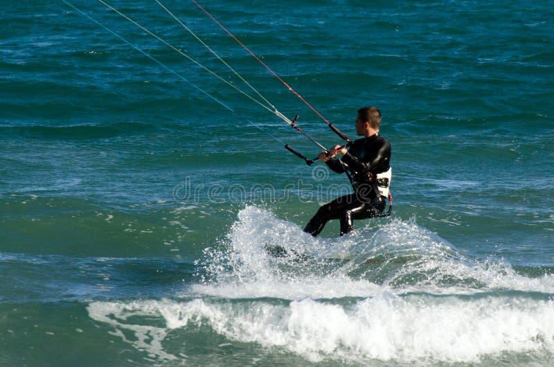 Download Kitesurfing fotografia editorial. Imagem de lazer, corda - 29843667
