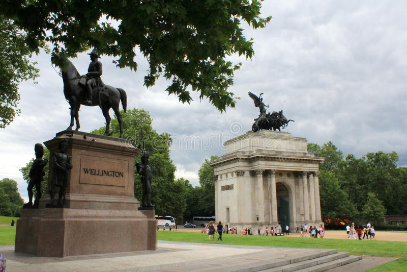 Download Wellington Memorial Et Voûte Londres Photo éditorial - Image du histoire, statue: 76076451
