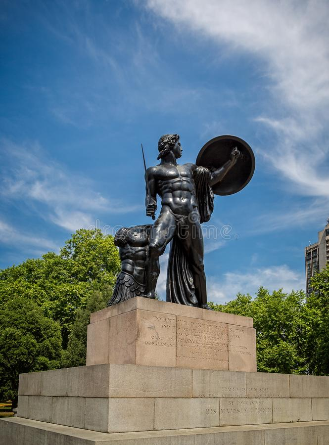 Wellington Monument av Achilles i Hyde Park London arkivbilder