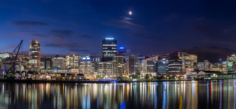 Wellington-Stadt nachts lizenzfreie stockbilder