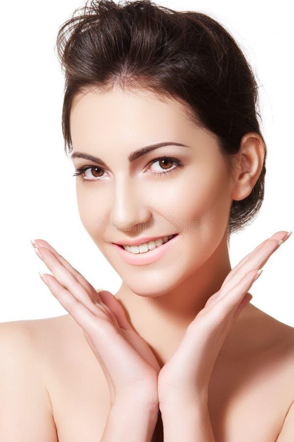 Wellness & skincare. Gelukkige vrouw met schone huid stock foto