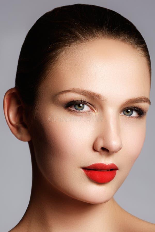 Wellness, cosméticos e estilo retro chique Retrato do close-up de s fotos de stock royalty free