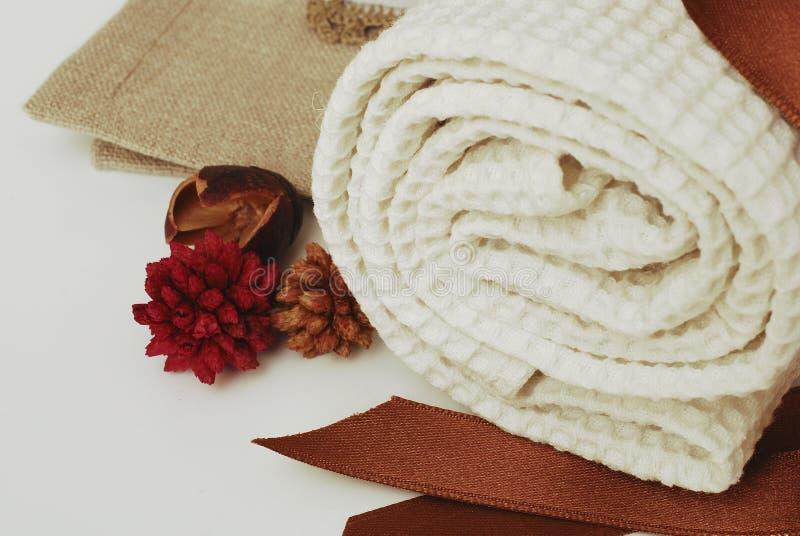 Wellness de toalhas dos TERMAS imagens de stock royalty free