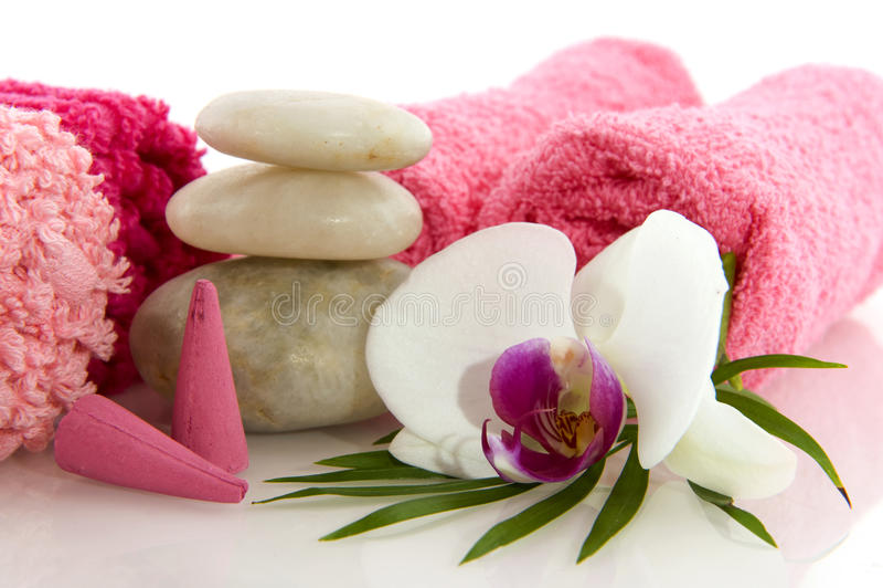 Wellness im Rosa mit Orchidee stockfoto