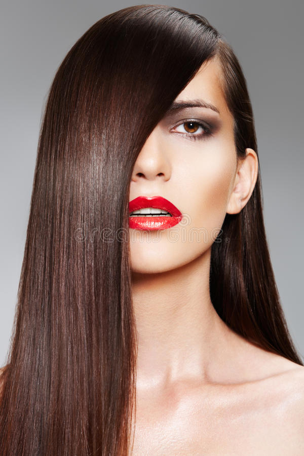 Free Wellness. Сosmetics. Woman With Shiny Long Hair Stock Photos - 15391003