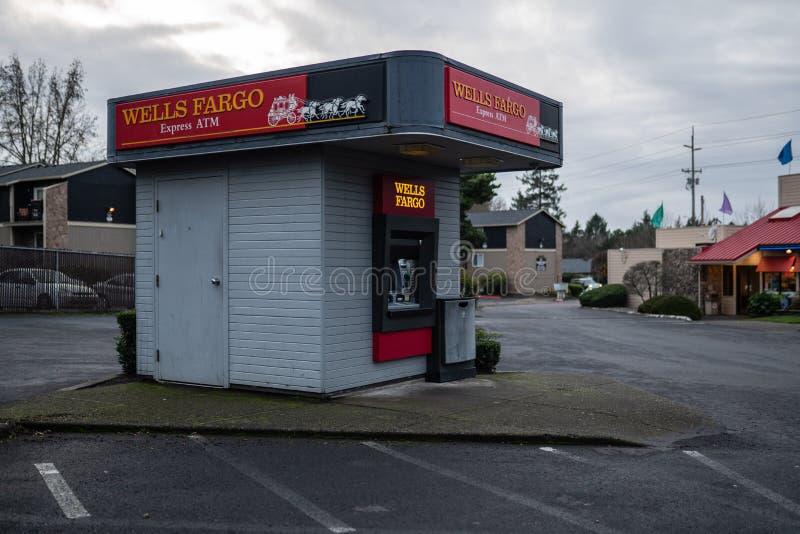 Wells Fargo Bank срочный ATM стоковое фото rf