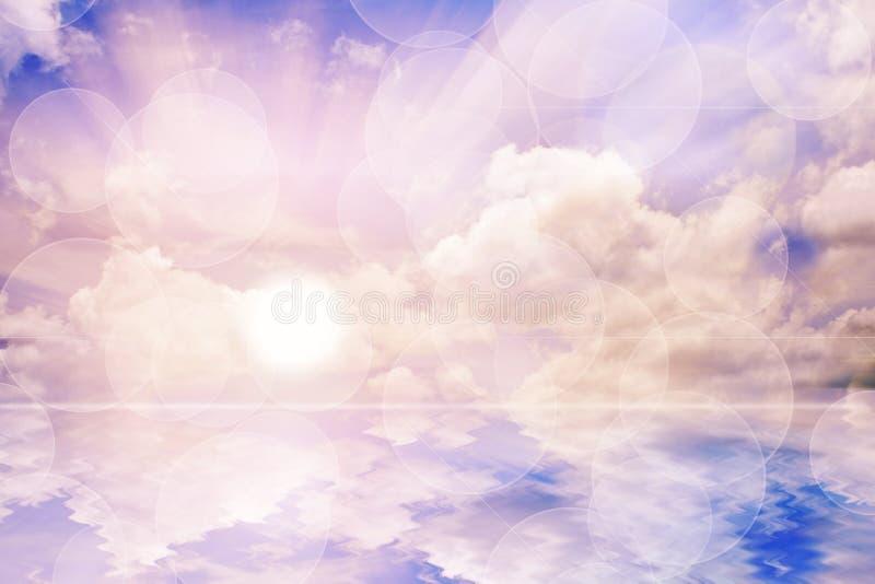 Welt und Wasser mit Sonnenaufganghimmel. stockfotografie