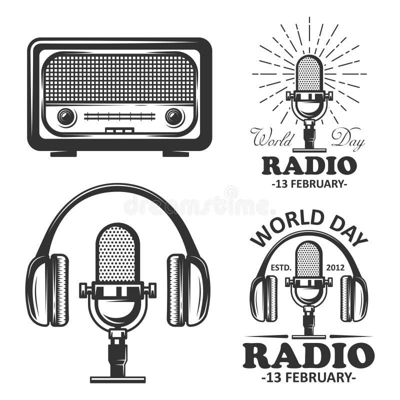 Weltradiotagessatz Vektorweinleseembleme Radio, Mikrofon, Kopfhörer wendet in der einfarbigen Weinleseart ein stock abbildung