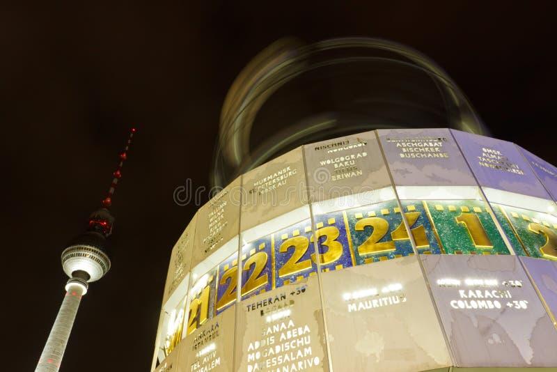 Weltzeituhr (часы), Alexanderplatz мира, Берлин стоковая фотография
