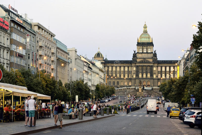 Wenceslas Square in Praag - Tsjechische Republiek stock fotografie