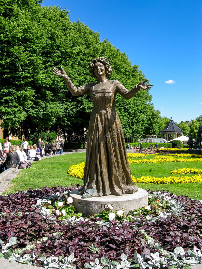 Download Wenche Foss statue in Oslo editorial photography. Image of city - 34459592