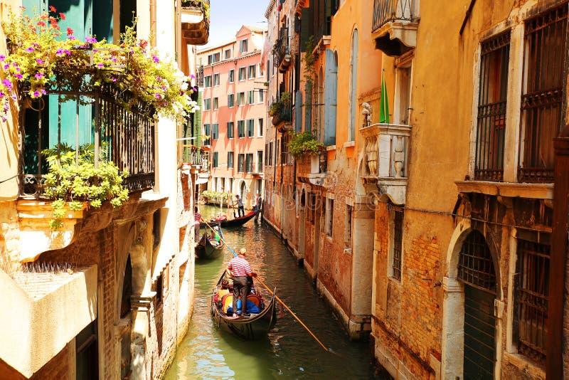 Wenecja Kanał z gondolami fotografia royalty free