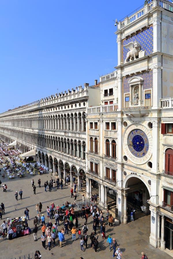 WENECJA, KWIECIEŃ - 9, 2017: Widok na San Marco kwadracie z touris zdjęcia royalty free