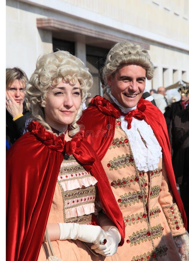 Wenecka para przy Wenecja karnawałem obraz royalty free