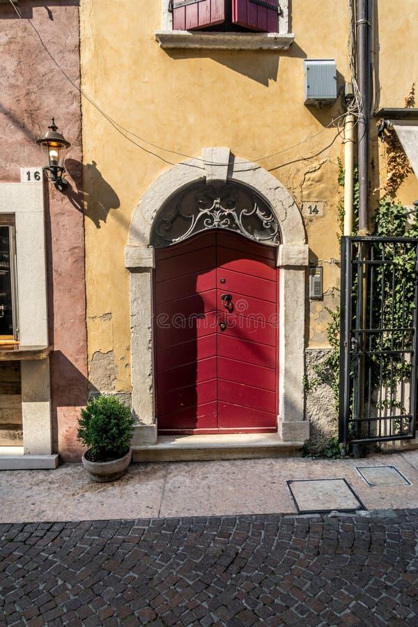 Wenecki okno, drzwi, łuk, architektura od Włochy zdjęcie royalty free