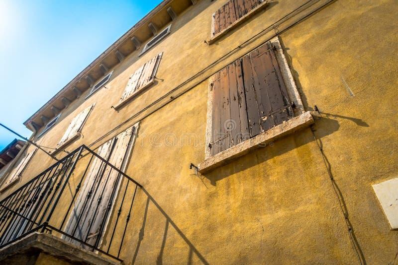 Wenecki okno, drzwi, łuk, architektura od Włochy obrazy stock