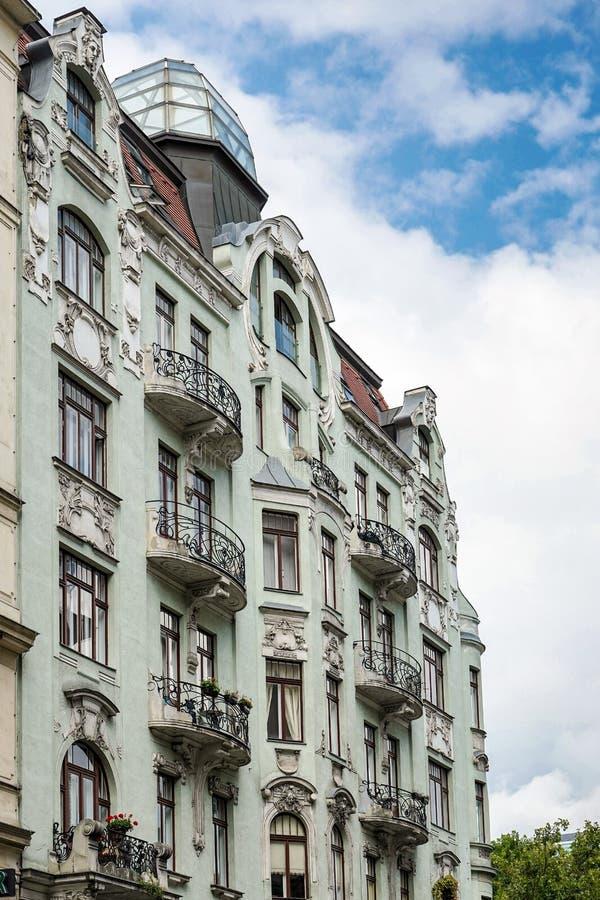 WENEN, AUSTRIA/EUROPE - 22 SEPTEMBER: De barokke bouw in Vien stock afbeelding