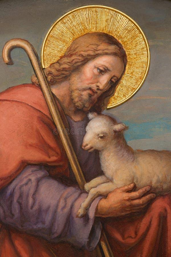Wenen - Fresko van Jesus als goede herder door Josef Kastner 1906 - 1911 in Carmelites-kerk in Dobling. stock fotografie
