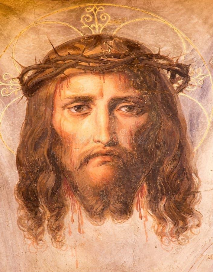Wenen - Fresko van Jesus Christ met kroon van doornen van. cent 19. in Altlerchenfelder-kerk stock fotografie