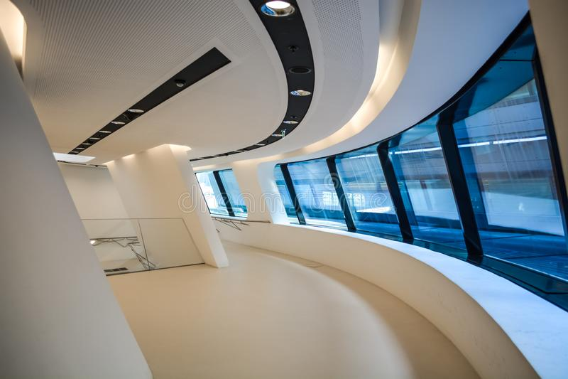 Wenen, Oostenrijk 2 03 2019 Bibliotheek van de Economische Universiteit De moderne bouw binnen royalty-vrije stock fotografie