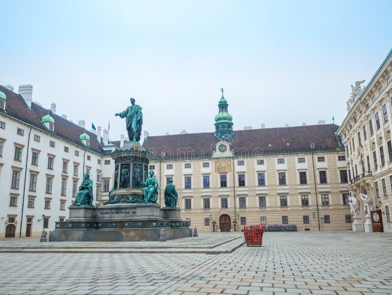 WENEN, OOSTENRIJK - FEBRUARI 17, 2018: Rond het Keizerpaleis van Hofburg bijna beroemd in Wenen, Oostenrijk stock foto's