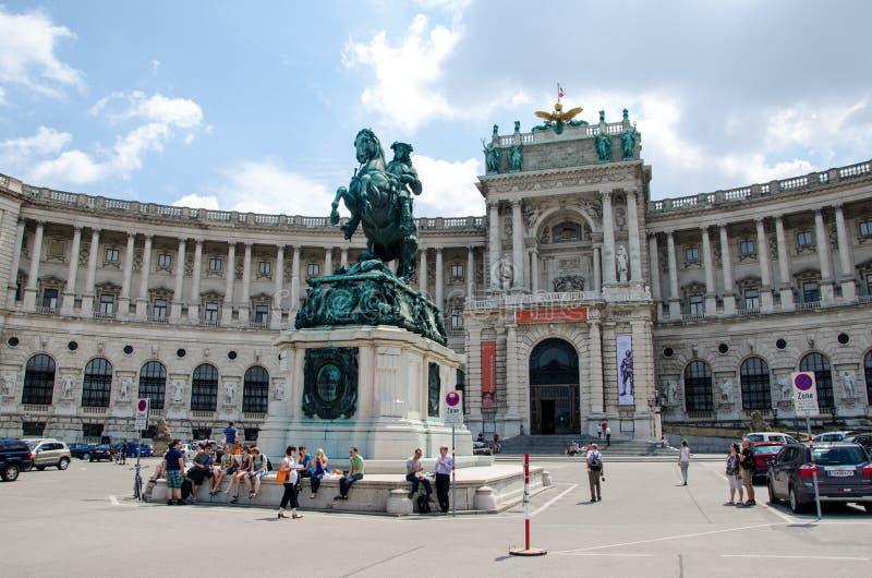 Wenen, Oostenrijk - Juli 15, 2013: Hofburg is het vroegere keizerpaleis in het centrum van Wenen stock fotografie