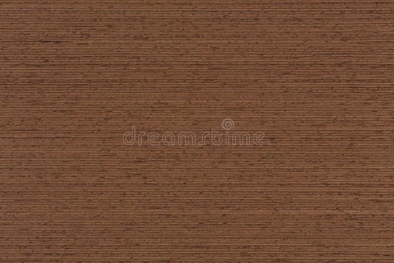 Wenge与自然木样式的表面饰板纹理 免版税库存照片
