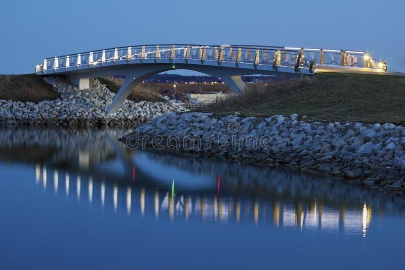 Wenig Brücke durch die Seeseite in Milwaukee stockfotografie
