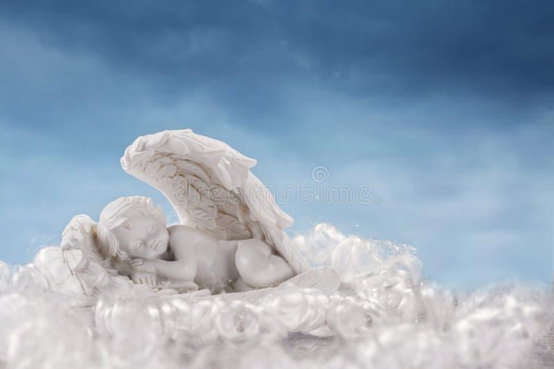 Wenig Engel in den Flügeln stockbild