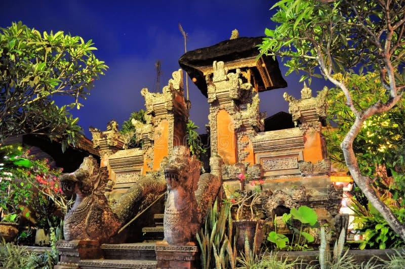 Wenig hindischer Schrein in Ubud, Bali, Indonesien lizenzfreie stockfotos